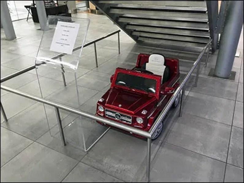 Mercedes benz manhattan moderno radio control car for Manhattan mercedes benz dealer