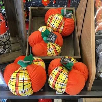 plush-fall-pumpkins-1