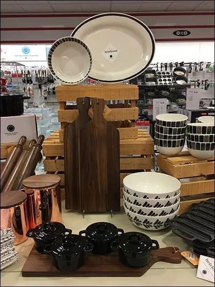 Heirloom Tableware By The Wood Crateful