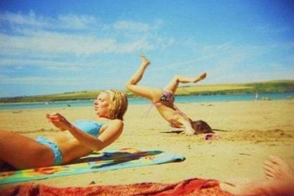 odd things at beach (9)