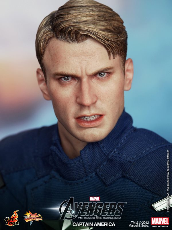 Hot Toys CAPTAIN AMERICA Collectible Action Figure