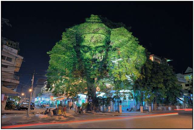 Haunting 3D Projections (11)