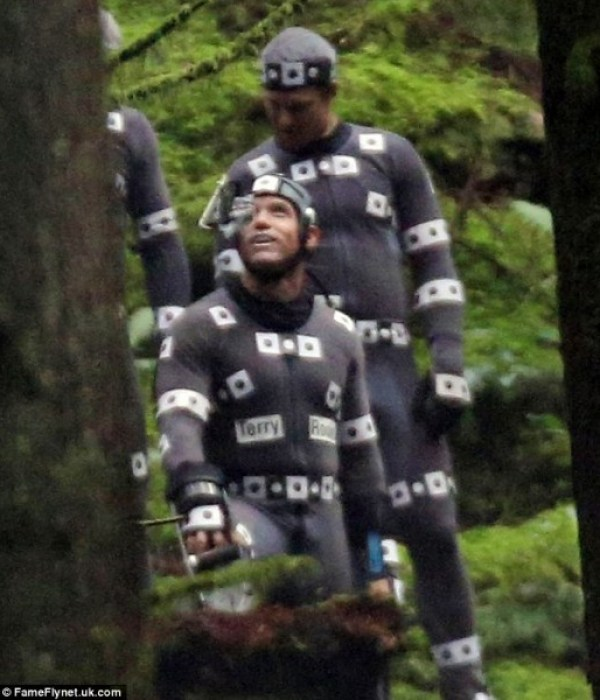dawn-of-the-planet-of-the-apes-set-photo-motion-capture-2-519x600