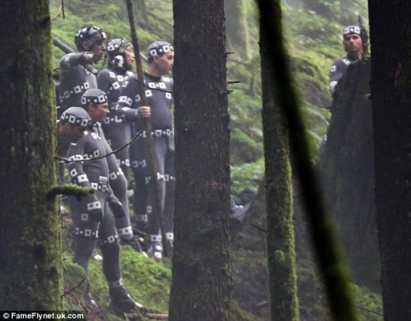 dawn-of-the-planet-of-the-apes-set-photo-motion-capture-600x469