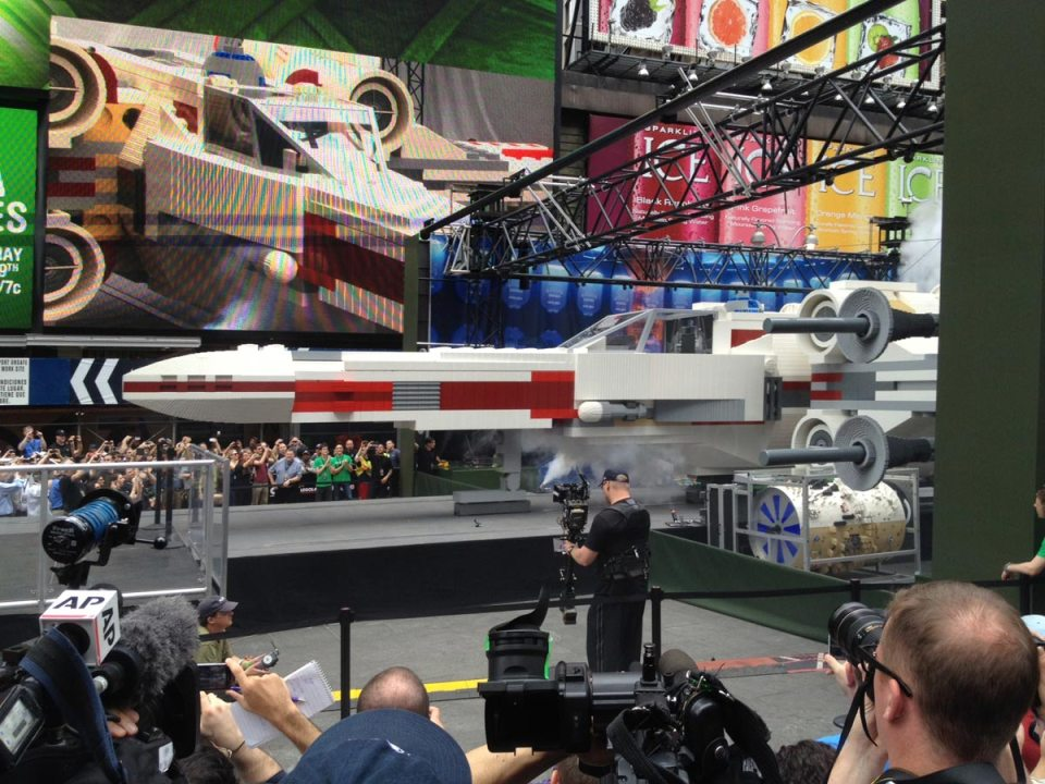 1-lego-built-an-epic-full-size-x-wing