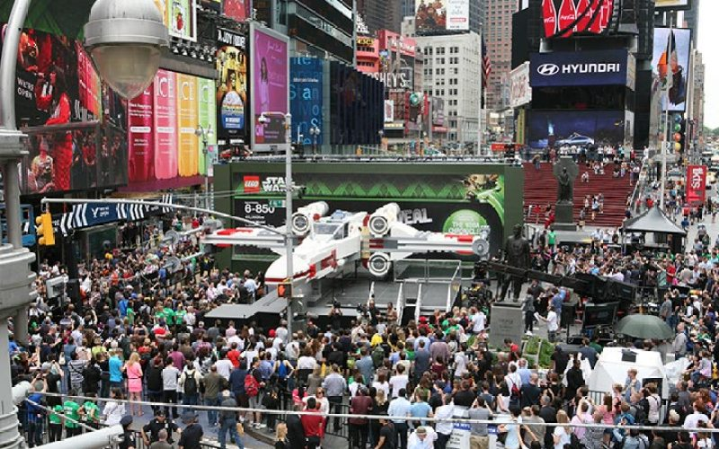 5-lego-built-an-epic-full-size-x-wing