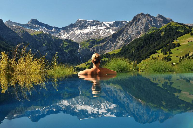 cambrian-infinity-pool-view-swiss-alps-adelboden-switzerland