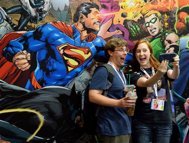 justice-league-mural-comic-con-2013-photos