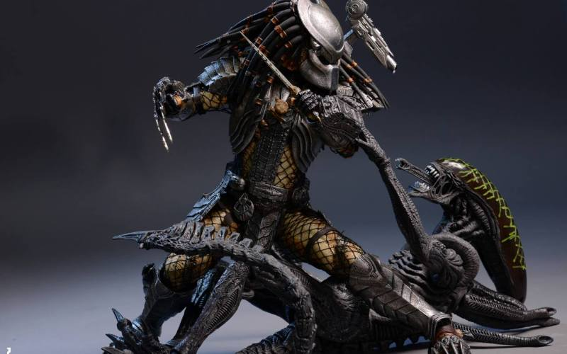 Predator Collectible Figure