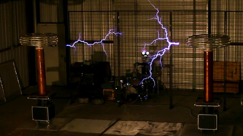PACIFIC RIM Theme Performed with Tesla Coils
