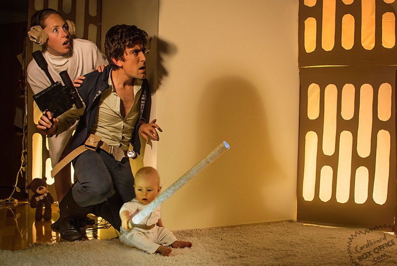 starwars-parents-recreate-movie-scenes-with-baby-son-and-cardboard
