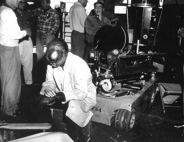 Horror Movies Behind The Scenes Photos (8)