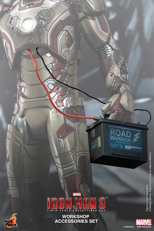 Iron Man 3 Workshop Accessories Collectible Set (2)