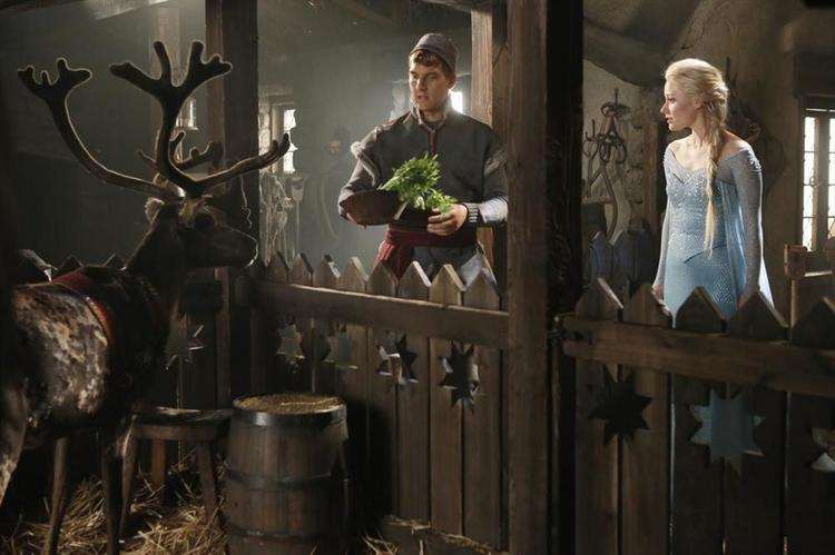 First Look at Anna and Elsa from FROZEN in ONCE UPON A TIME
