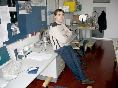 Slika 3. Kabinet z laborantom Ervinom