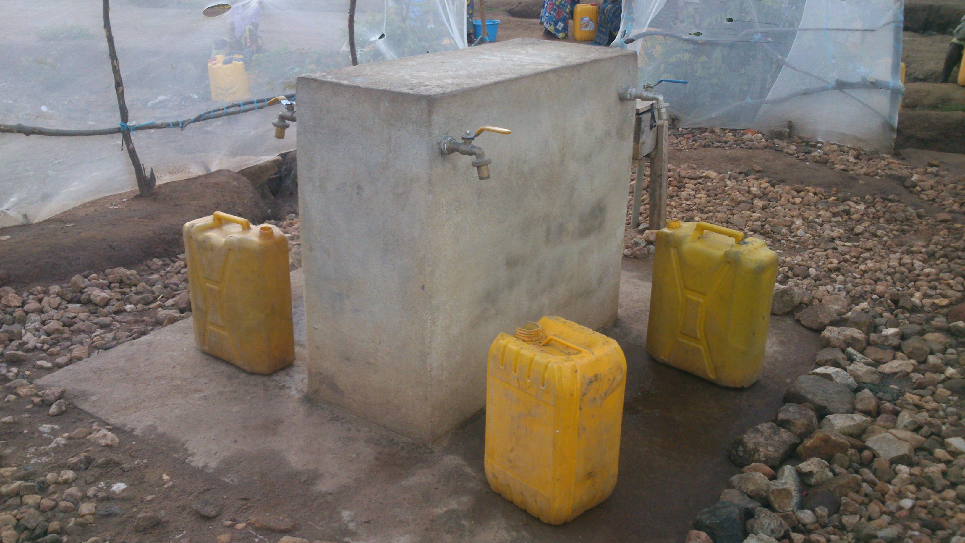 BARAKA-FIZI : la pénurie d'eau dans la ville, la population face à un danger de l'épidémie de choléra.