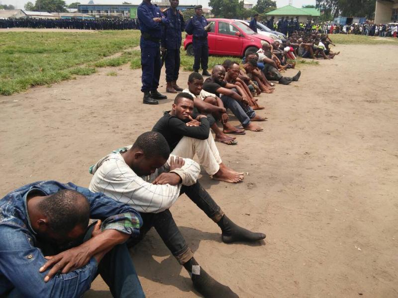 Kinshasa : la police arrête une dizaine de « terroristes » qui planifiaient notamment d'attaquer le marché de la Liberté