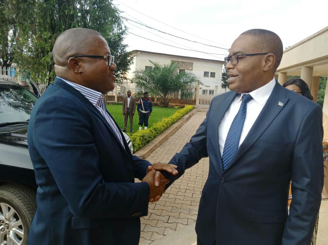 Sud-kivu: John Ntumba, ministre national de la formation professionelle, arts et métiers reçu à Nyamoma par Théo Kasi