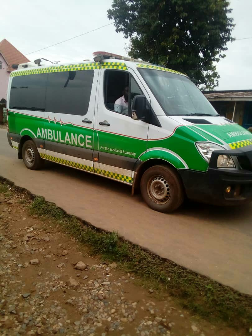 ©Ph innocent, Ambulance moderne pour le transport des malades.