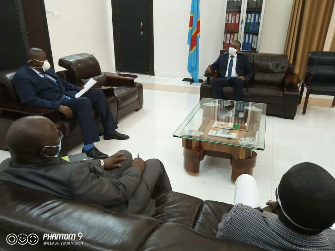 Sud-kivu: les confessions, la FEC s'engagent a soutenir Théo Kasi pour combattre le Covid-19