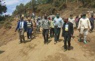 Infrastructures: le gouverneur Théo Kasi a inspecté la route nationale numéro 2 tronçon Bukavu-Minova