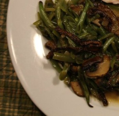 green-bean-casserole-plated