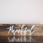 wooden-farmhouse-sign-thankful