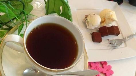 カフェインレスコーヒー専門店 Maman's Cafe おいしいカフェインレスコーヒーはこちら! 妊娠・授乳中のママにも安心HPから引用