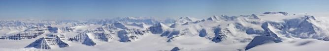 Gunnbjørn Fjeld summit view (2/2)