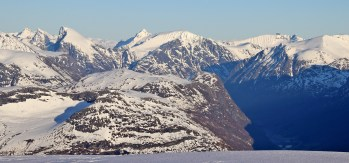 Famous peaks; Slogen, Brekketind, Jakta, Smørskredtind...