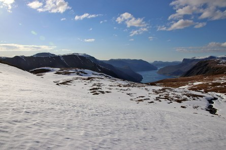 Towards the fjord!