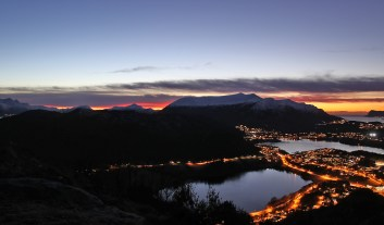 Red sky beyond Sulafjellet