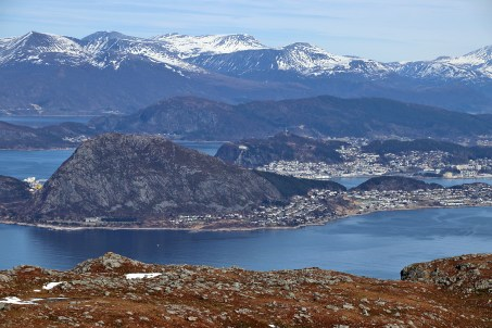 View towards Ålesund