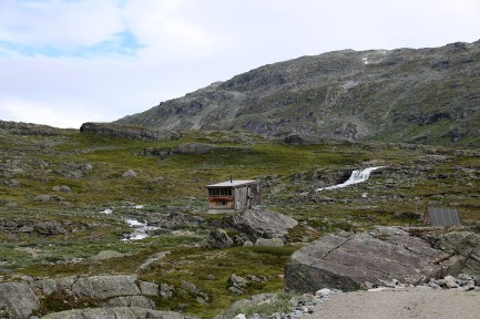 The NVE hut in Grasdalen