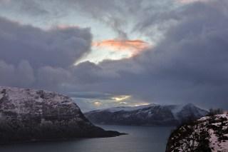 Red sky above Hareidlandet
