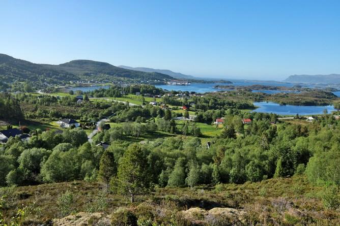 Approaching Tjørvåg