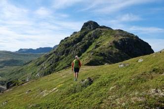 On the ridge below Kvalaksla