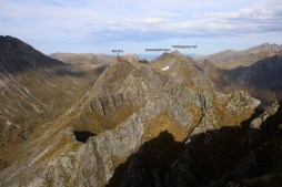 The north and middle Raudfonndalstindane tops
