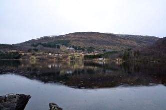 By lake Skogevatnet