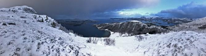 On the path to Sandvikhornet (left). Skåla is right of center