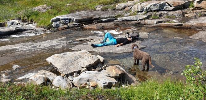 Chillin' at Mølnforselva river
