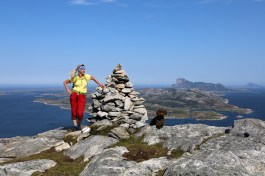 Anne and Karma on top of Breiviktinden