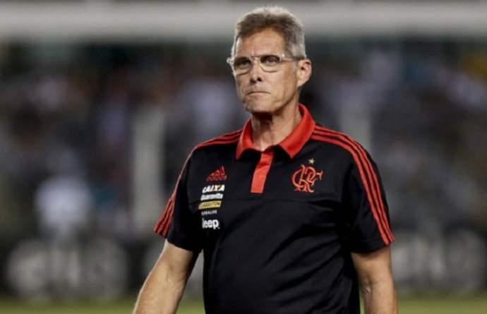 Oswaldo de Oliveira não é mais o técnico do Flamengo