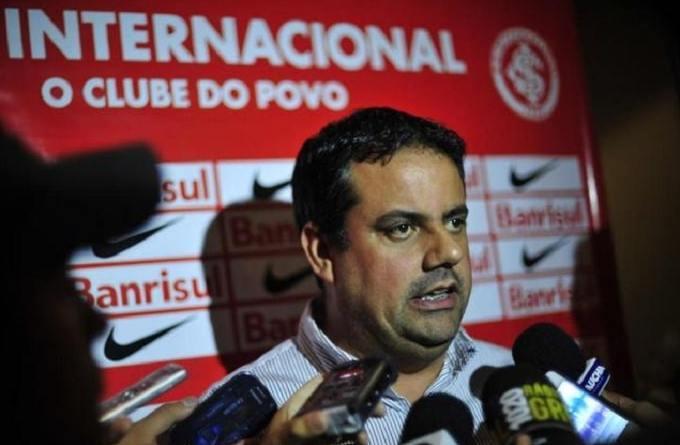 Executivo do Inter recebe proposta do Fla e estuda a possibilidade deixar o Beira-Rio