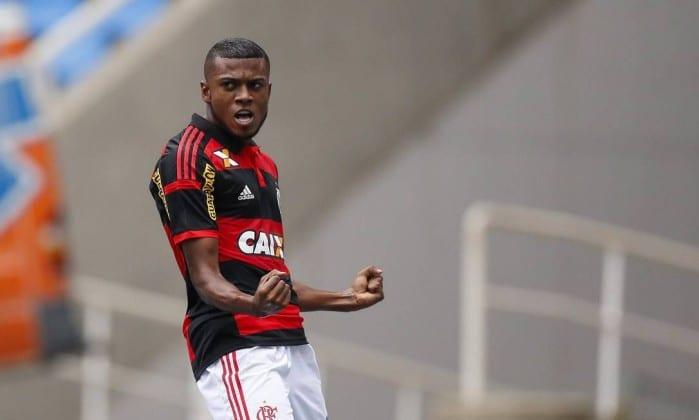 Marcelo Cirino permanece para o próximo ano