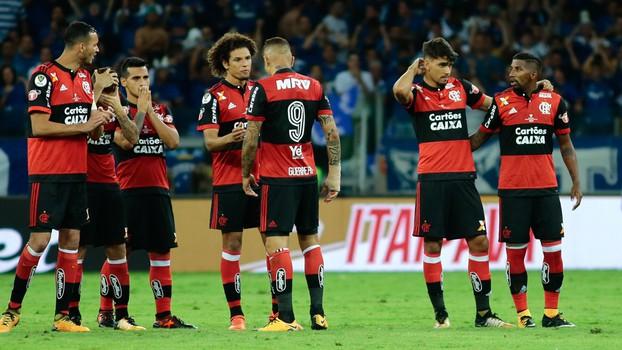 Flamengo com Bandeira de Mello no Brasileiro: o mais rico, e só o 7º com mais pontos