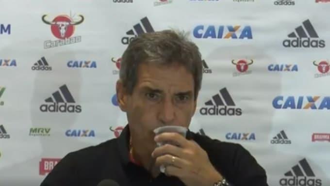 Carpegiani lamenta derrota do Flamengo, parabeniza o Flu e diz: 'Tem que sentir na carne'