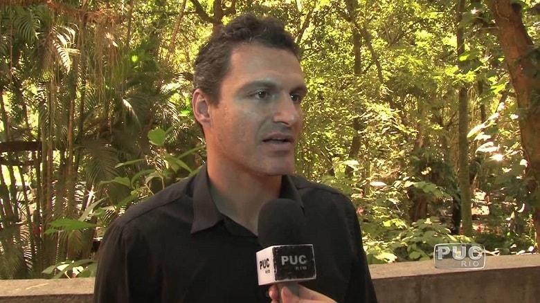 Santos insiste e vê acerto próximo com diretor do Flamengo