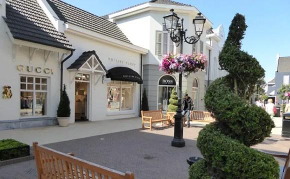 Shoppingvergnügen der Extraklasse im Outlet Center Roermond Niederlande
