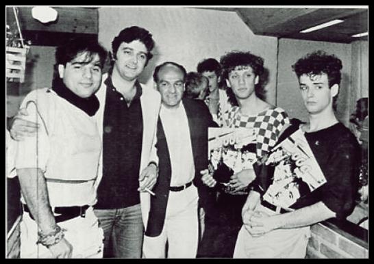 CHARLY ALBERTI y ZETA BOSIO recuerdan el primer álbum de Soda Stereo a 30 años de su lanzamiento. (2/6)